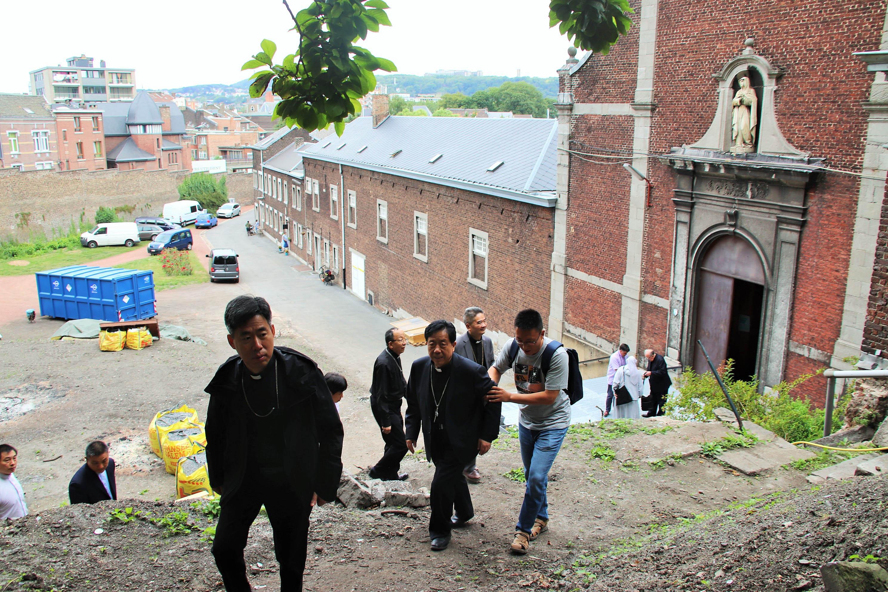 Visite de 5 évêques chinois